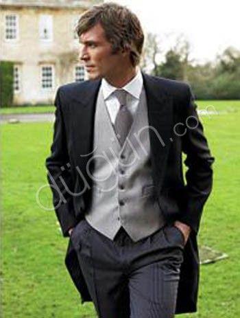 groom's dress