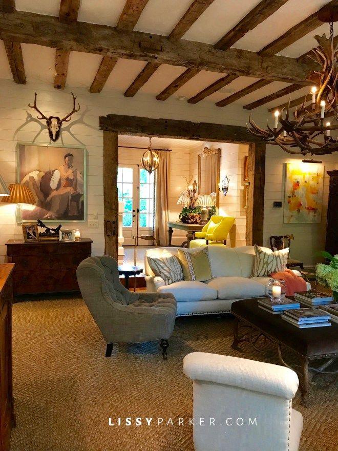Entrance Area Country Style Living Room By Zero9 Country: House, Charming House, Log Cabin Interior
