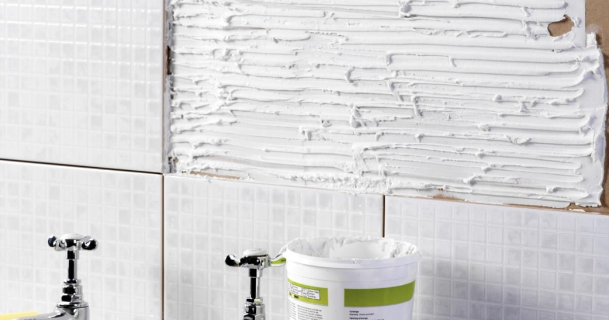 Removing Wall Tile Can Leave Minor To Severe Damage The Underlying Surface Ceramic Is Installed With One Of Two Types Adhesive Glue Based