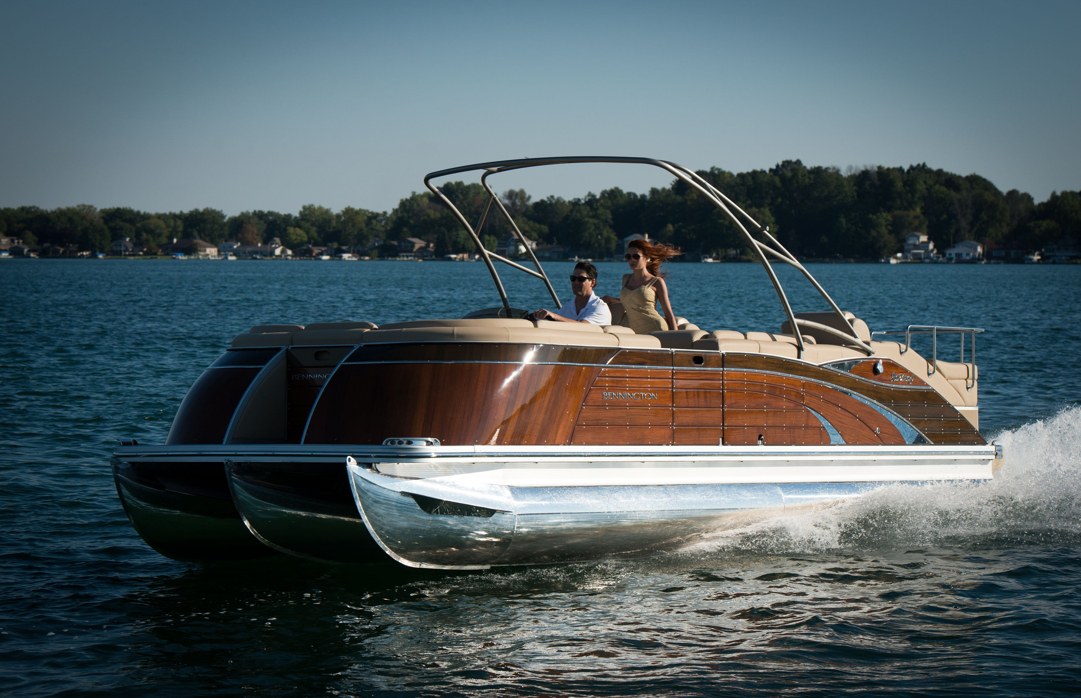 Bennington 2575qcw Mahogany Edition This Luxury Pontoon Boat Will