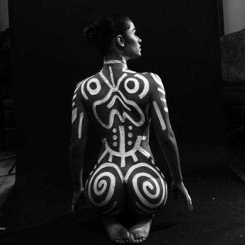 Naked women bodypaint tribal
