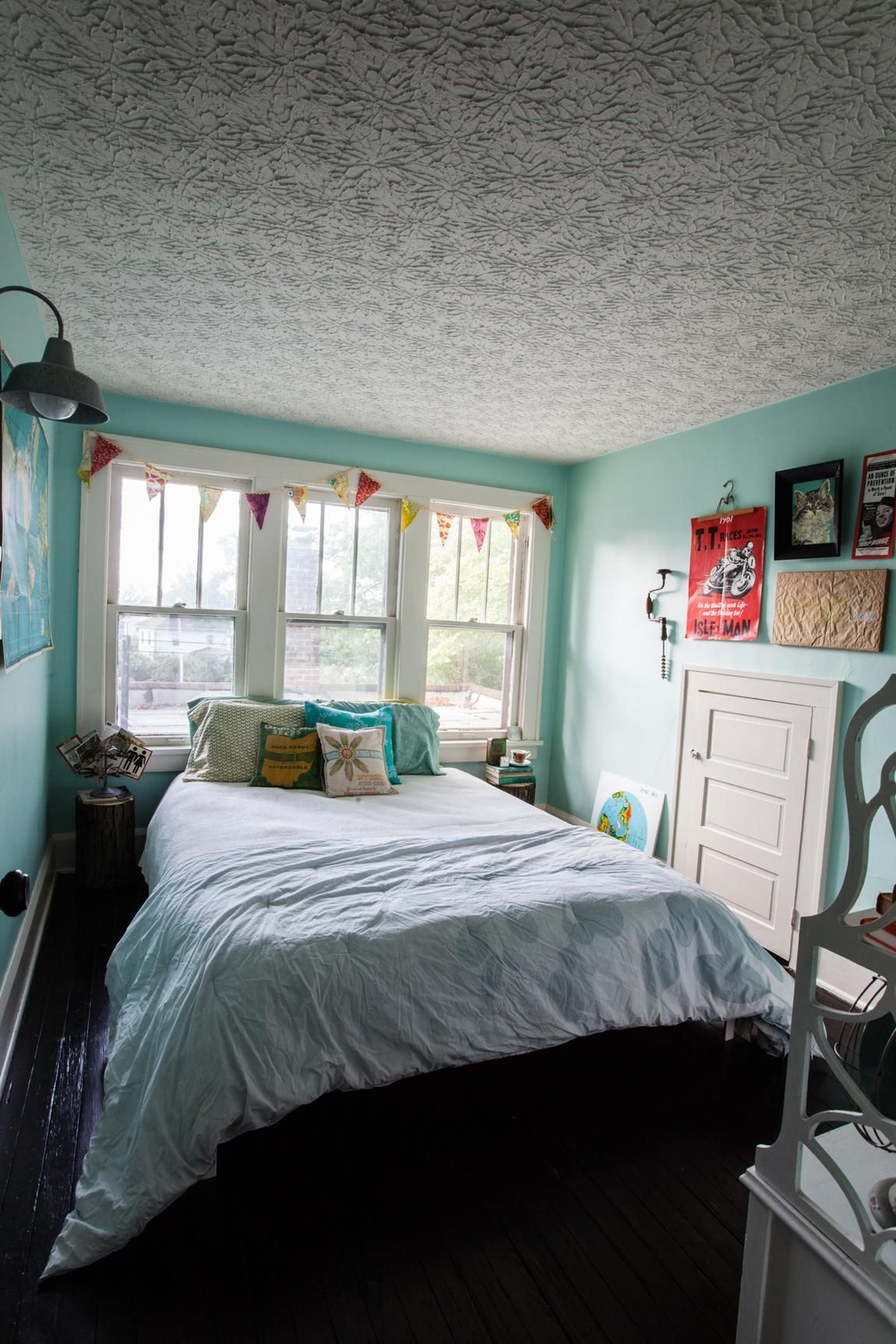 Our Budget Friendly Diy Travel Inspired Guest Room - Photography