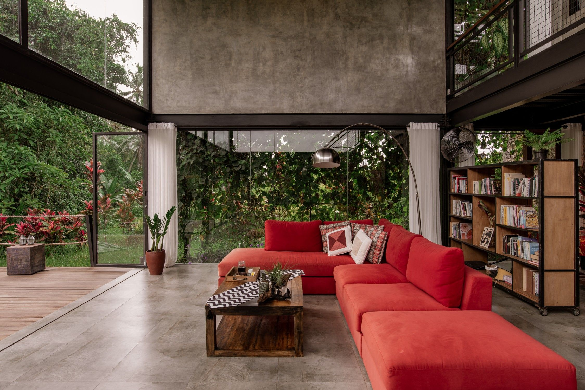Casa Depto Entero En Ubud Indonesia Experience The Charm Of Tropical Living Lifestyle From This Modern L Tropical House Design House Design Tropical Living