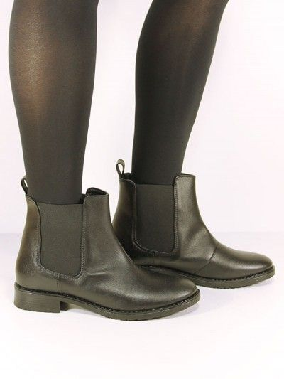 70 pounds black vegan Chelsea boots http://wills-vegan-shoes.com ...