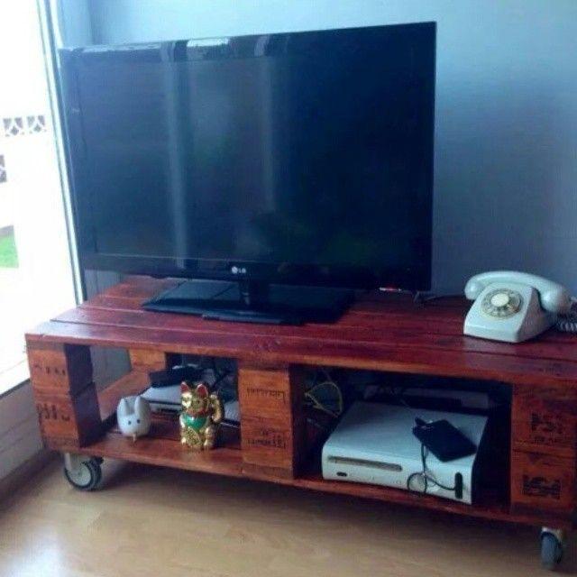 7vides vintage mesa de tv hecha con - Mesa palets ruedas ...