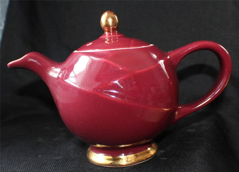 vintage hall china made in usa burgundy maroon glazed 7 1 2 h 6 cup teapot 0218 teapots. Black Bedroom Furniture Sets. Home Design Ideas