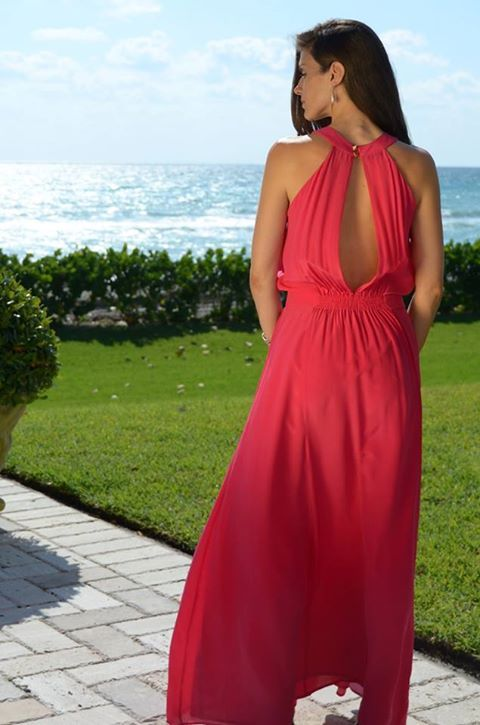A stunning bright pink silk dress with sweeping floor-length silhouette. The results are timelessly glamorous and sophisticated. Back of Owl Dress - www.LTBrazil.com