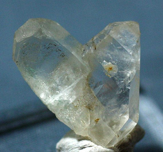 Japan-law Twinned Quartz Crystal Arizona Mineral by ...Quartz Crystal Science