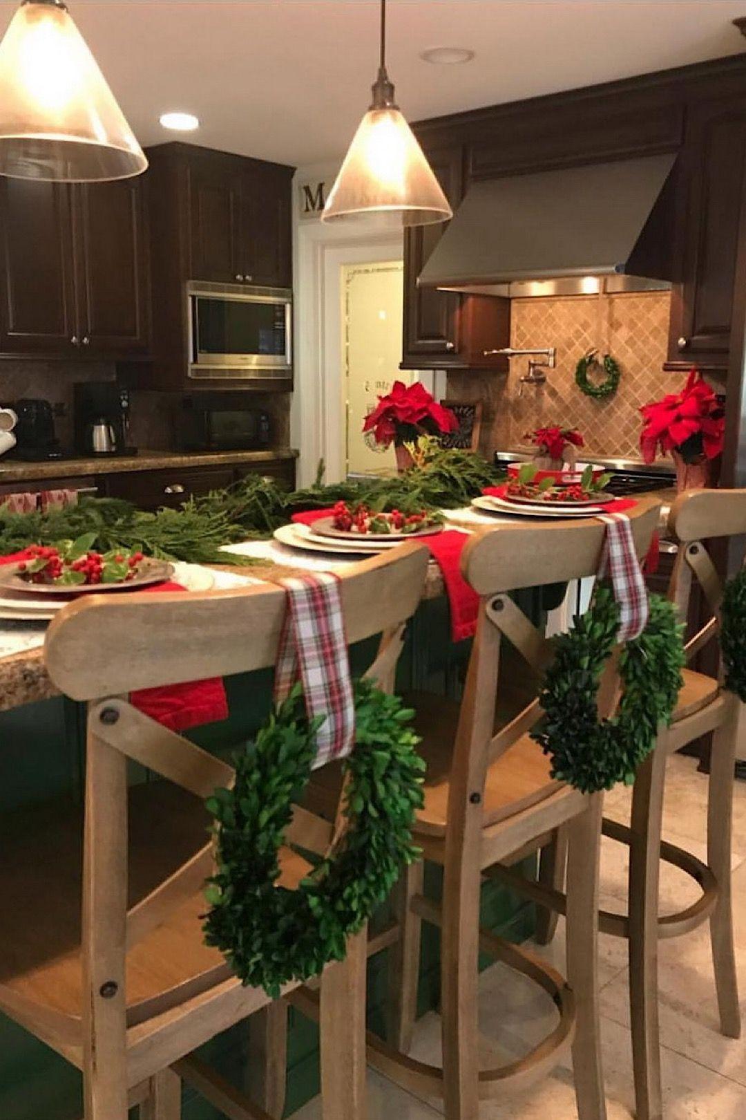 45 cozy christmas kitchen decorating ideas that you have to see christmas kitchen christmas on kitchen xmas decor id=60894