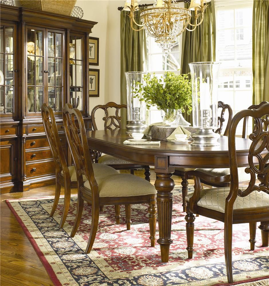 Fredericksburg Seven Piece Dining Set With Turned Legs By