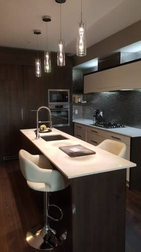 Fastlane Suites in Savoy Calgary (Alberta) Fastlane Suites in Savoy is an apartment located in Calgary, 1.4 km from Kensington. The air-conditioned unit is 2.2 km from McMahon Stadium. Free WiFi is offered and private parking is available on site.