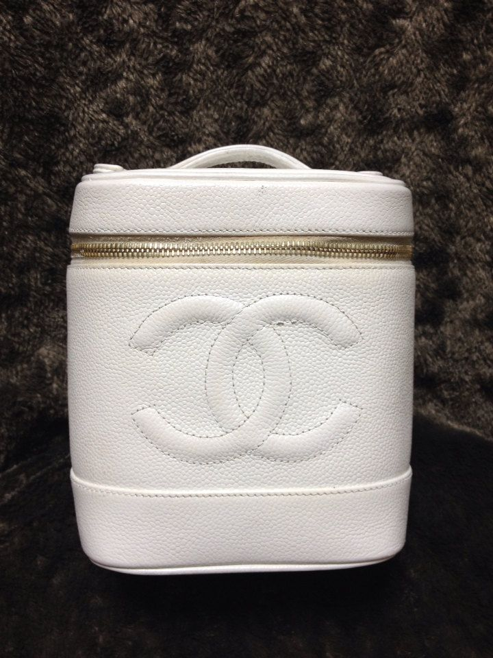 Vintage CHANEL white caviarskin cosmetic and toiletry