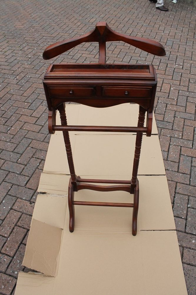 Gentlemans Mahogany Suit Hanger And Valet Stand With Draws