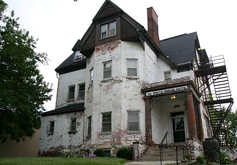White House Apartments Omaha Is A Victorian Mansion Likely Built Around The Turn Of 20th Century And In Its History It Has Served As Private