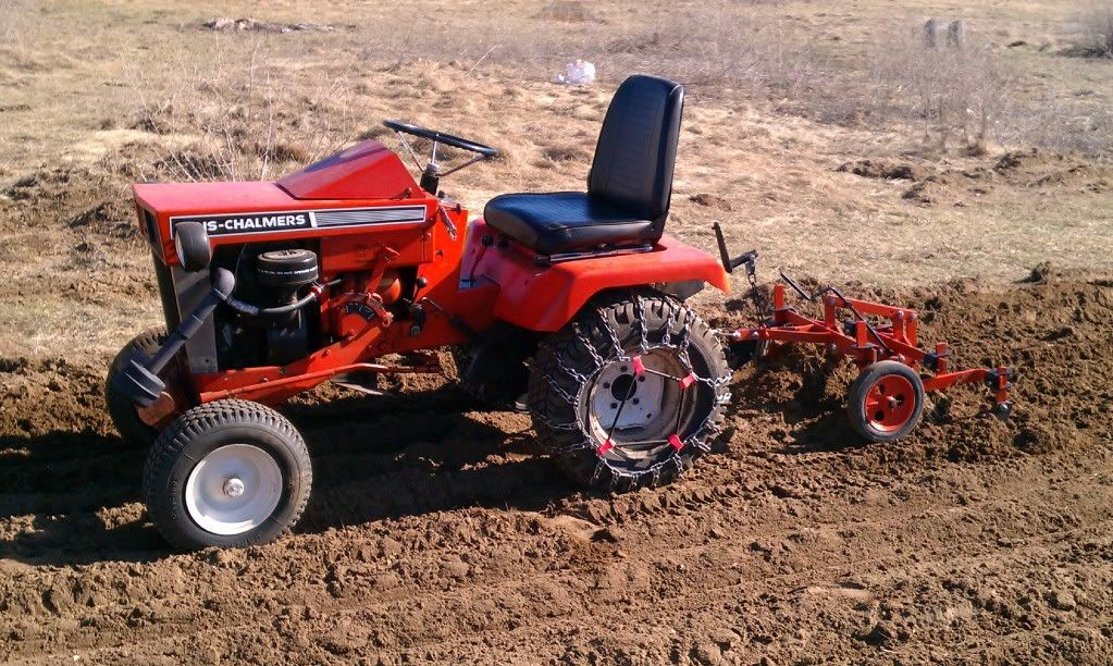 Michael S Tractors Simplicity And Allis Chalmers Garden