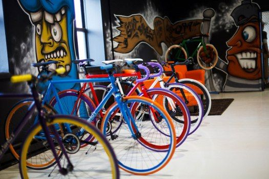 In Store Build A Bike Kiosks Bridge Online And Offline Retail Bike Shop Single Speed Bike Bike
