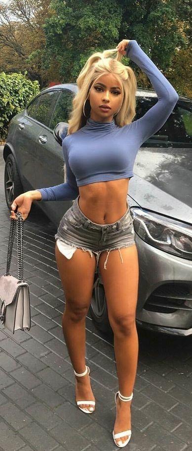 Mujer meando sus pantalones video gratis