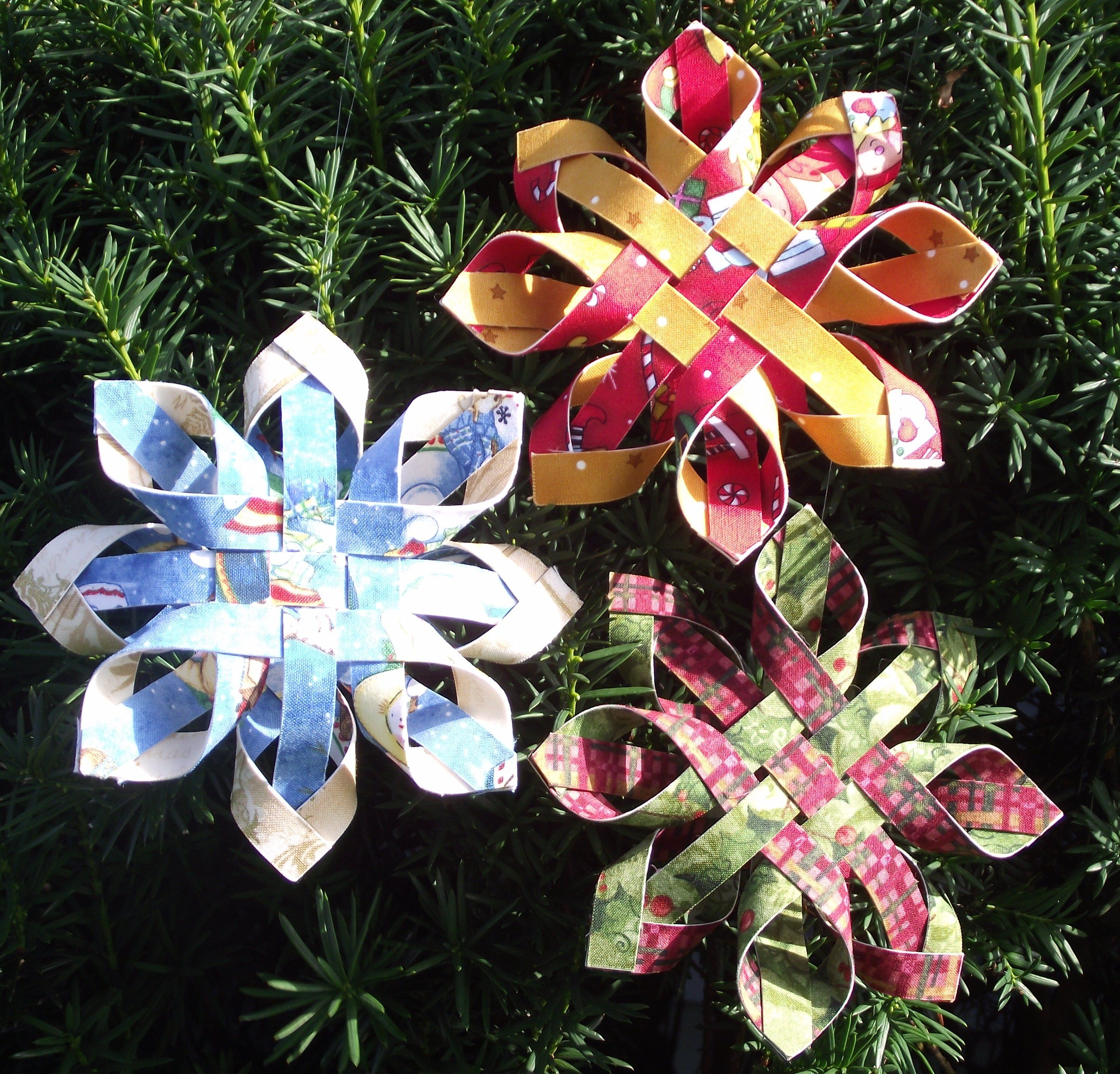 Paper Snowflake Ornaments  Craft Maniacs Really Pretty But Also