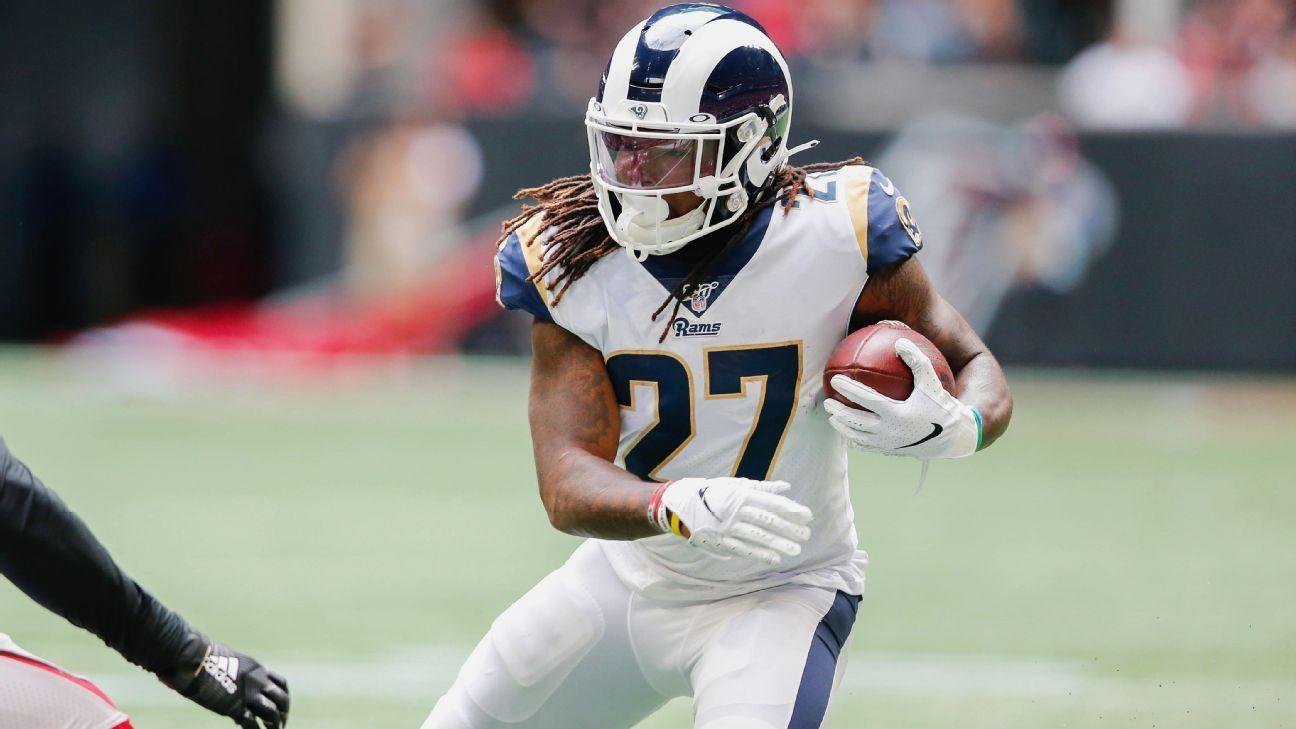 News Photo Running Back Todd Gurley Of The Los Angeles Rams Todd Gurley American Football Team American Football