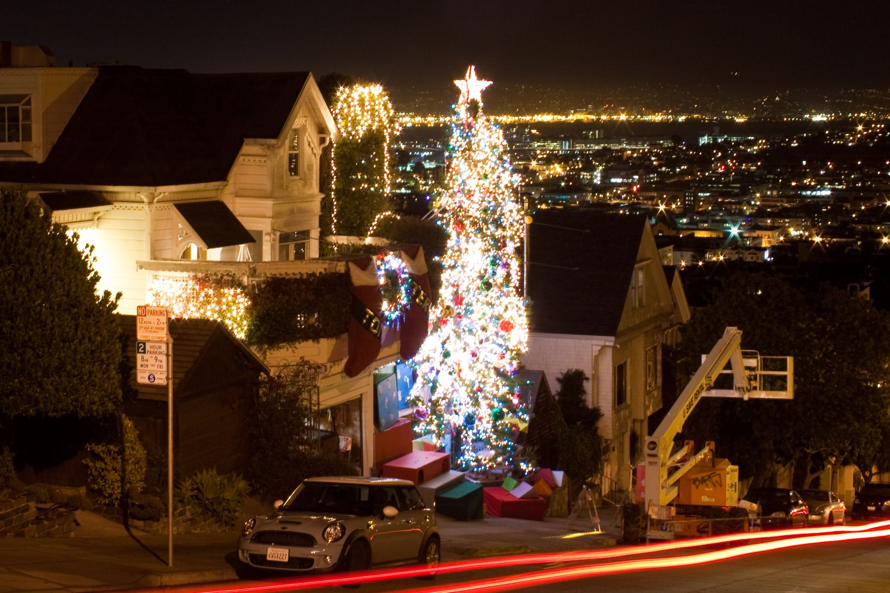 See The Year End Holiday Decorations On Houses And Yards At The Top Of 23rd
