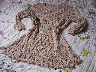 Edna Confecções em Crochê : Lindo vestido bege com gráfico