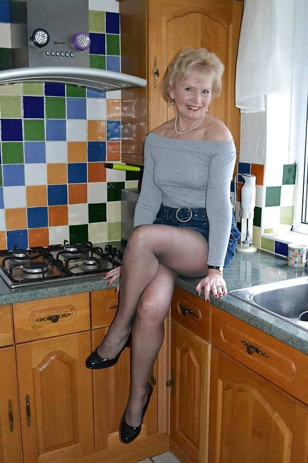 oxford milf personals Sex with grannies in your area, including racyladylouise, 50, margaret, 55 and sociable_lady, 62 most active in your area xnaughty_natalie53x, sex with grannies uk mature sex contacts.
