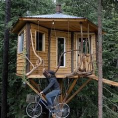 Clever bicycle elevator used to get up to this cozy treehouse! Via @cabinporn  Tiny House Movement // Tiny Living // Tiny House // Cabin // #TinyHouseonWheels #Architecture #Homedecor #TinyHome