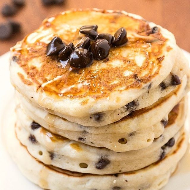 Low Carb Chocolate Chip Pancakes😍 Credit: thebigmansworld.com --- Ingredients 3…