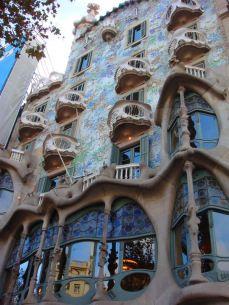 Barcelona desenhada por Gaudí.