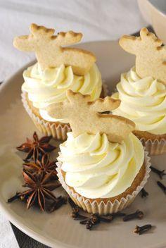 Spekulatius-Cupcakes mit weißer Schoko-Buttercreme #cupcakesrezepte