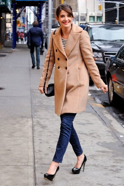 She has stolen my heart with her dressing style. Cobie Smulders...