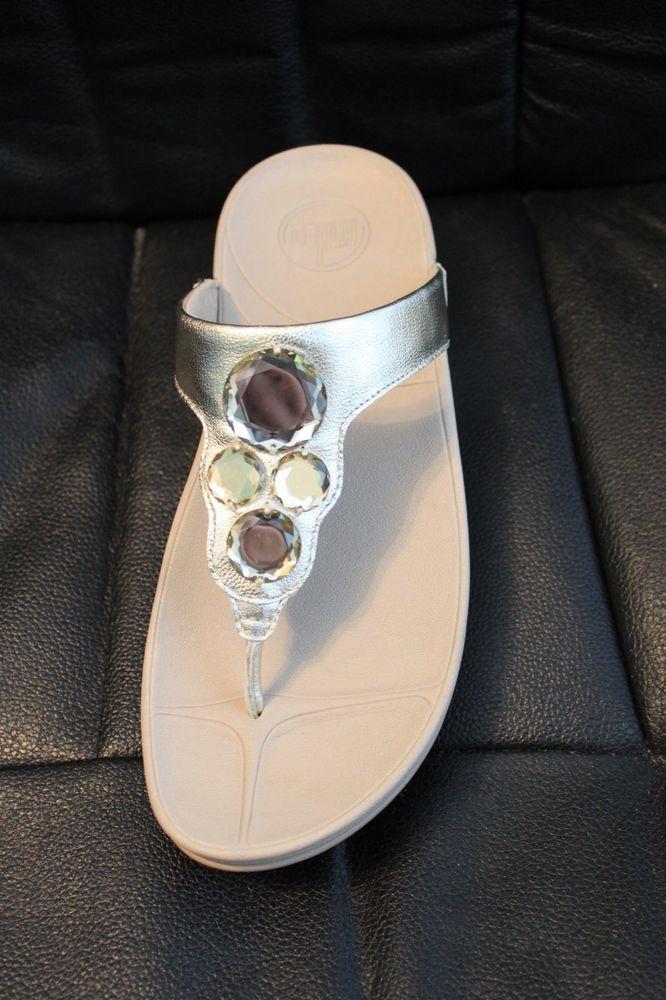Fitflop Lunetta Gold Jeweled Metallic Fit Flops Padded Comfort MSRP $110 NEW.  Flip FlopsFlippingJewelMetallicShoes Sandals