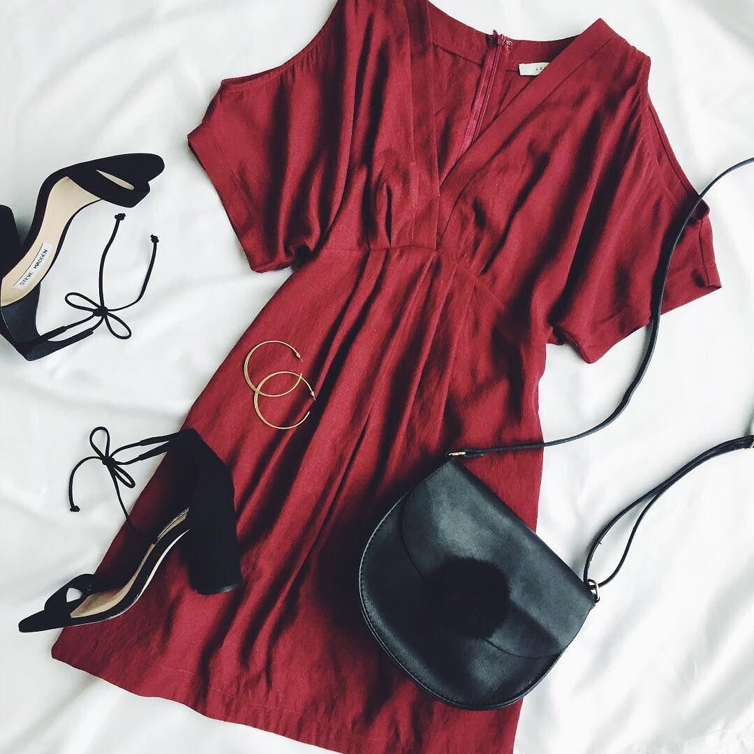 Vday Ready In Our Game Changer Wine Cold Shoulder Dress Lovelulus Moda Vestidos Looks Estilosos Moda