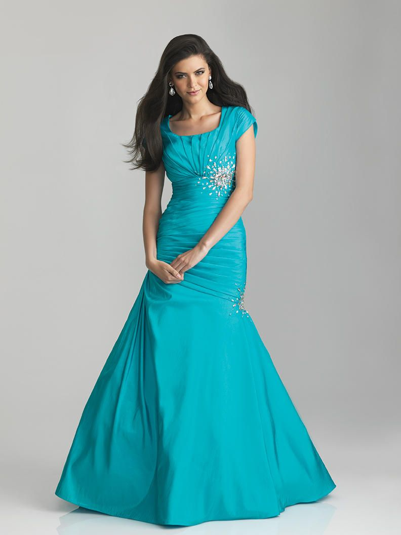 Modest prom dress love this color!!!!!!!!!!!!!!!! My only problem ...