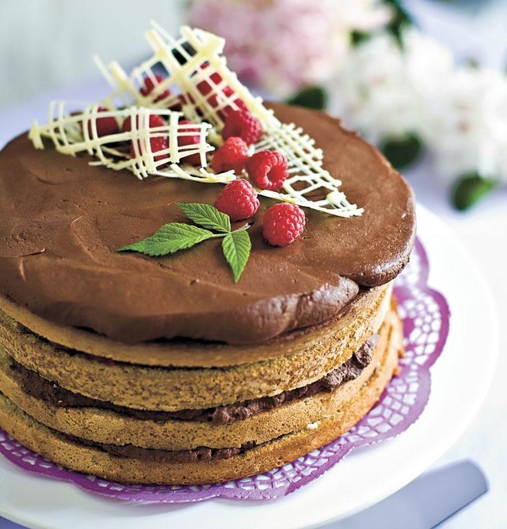 Suklaamoussekakku // Chocolate Mousse Cake Food Katariina Korkeaoja Style Helena Saine-Laitinen Photo Mika Haaranen www.maku.fi