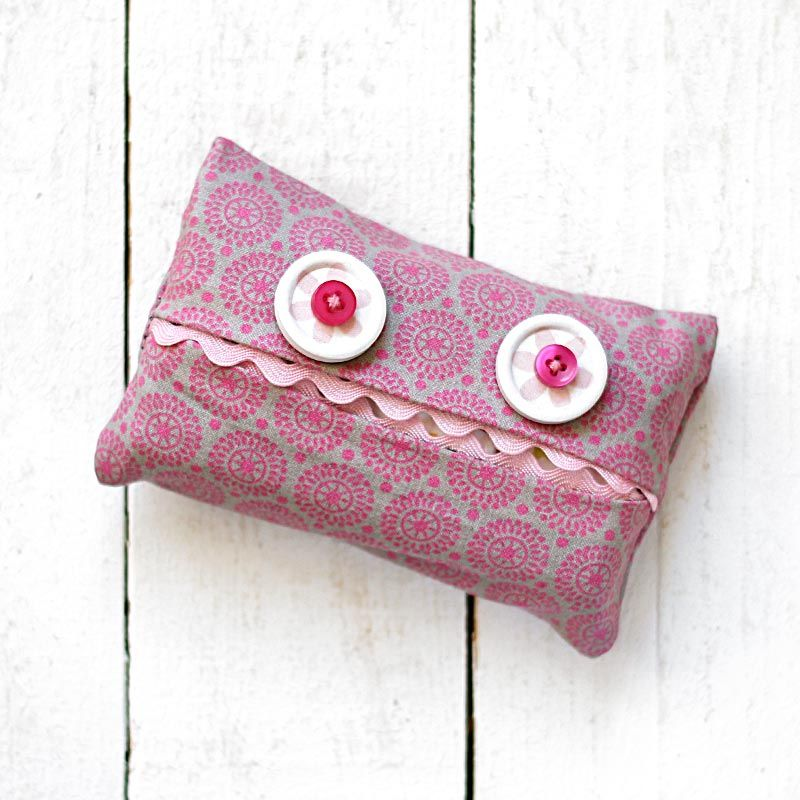 das kleine s e monster passt auf deine taschent cher auf. Black Bedroom Furniture Sets. Home Design Ideas
