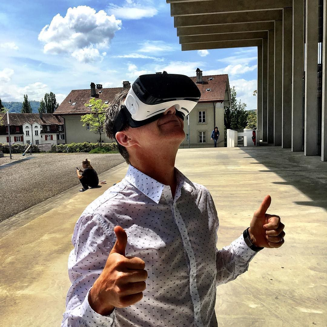 An awesome Virtual Reality pic! Heute hatte ich voll den Durchblick und bin in eine andere Welt eingetaucht... #vr #business #sbb #virtualreality #fotosession #videosession #photosession by brunospicher check us out: http://bit.ly/1KyLetq