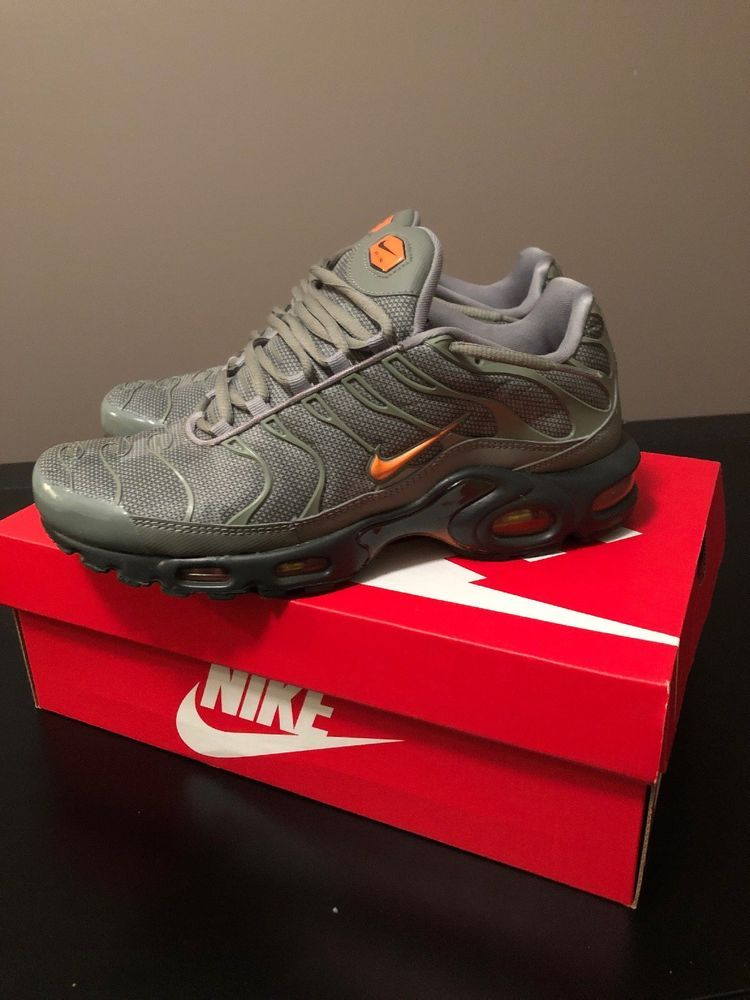 differently 597b2 5fe71 NIKE Air Max Plus Men's Sneakers Olive Green/Orange Size 9 ...