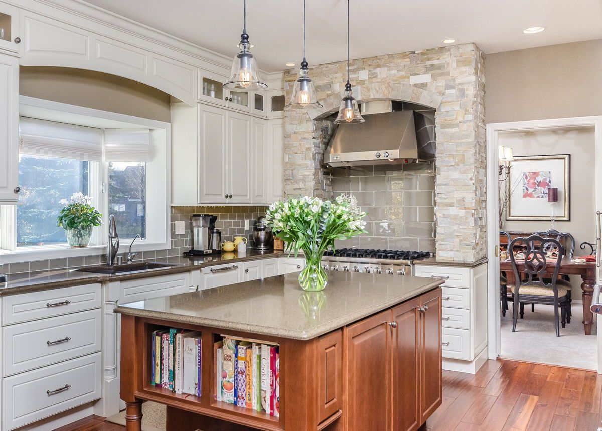 This Dura Supreme Kitchen Design Was The Grand Prize Winner Of Alaska S Best Kitchens Magazine For Kitchen Design Kitchen Island Design Kitchen Inspirations