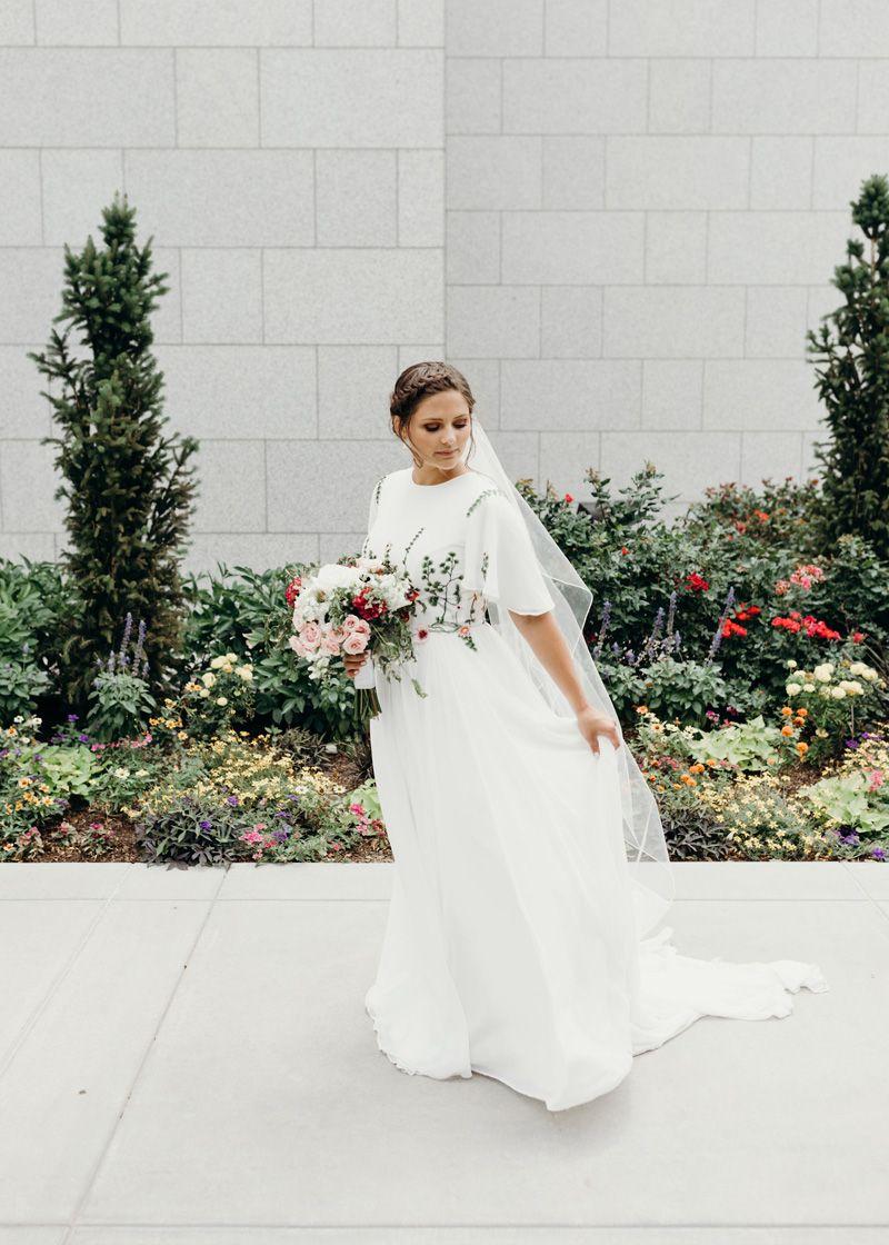 Alta Moda Bridal Utah Brides Alta Moda Brides And Wedding Dresses In 2020 Modest Wedding Dresses Ball Gown Wedding Dresses Modest Wedding Dresses