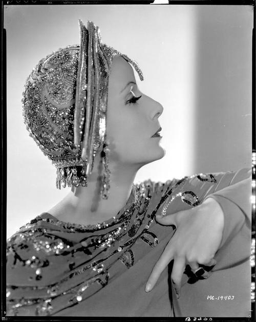 Greta Garbo in a publicity photo for Mata Hari   (George Fitzmaurice, 1931)