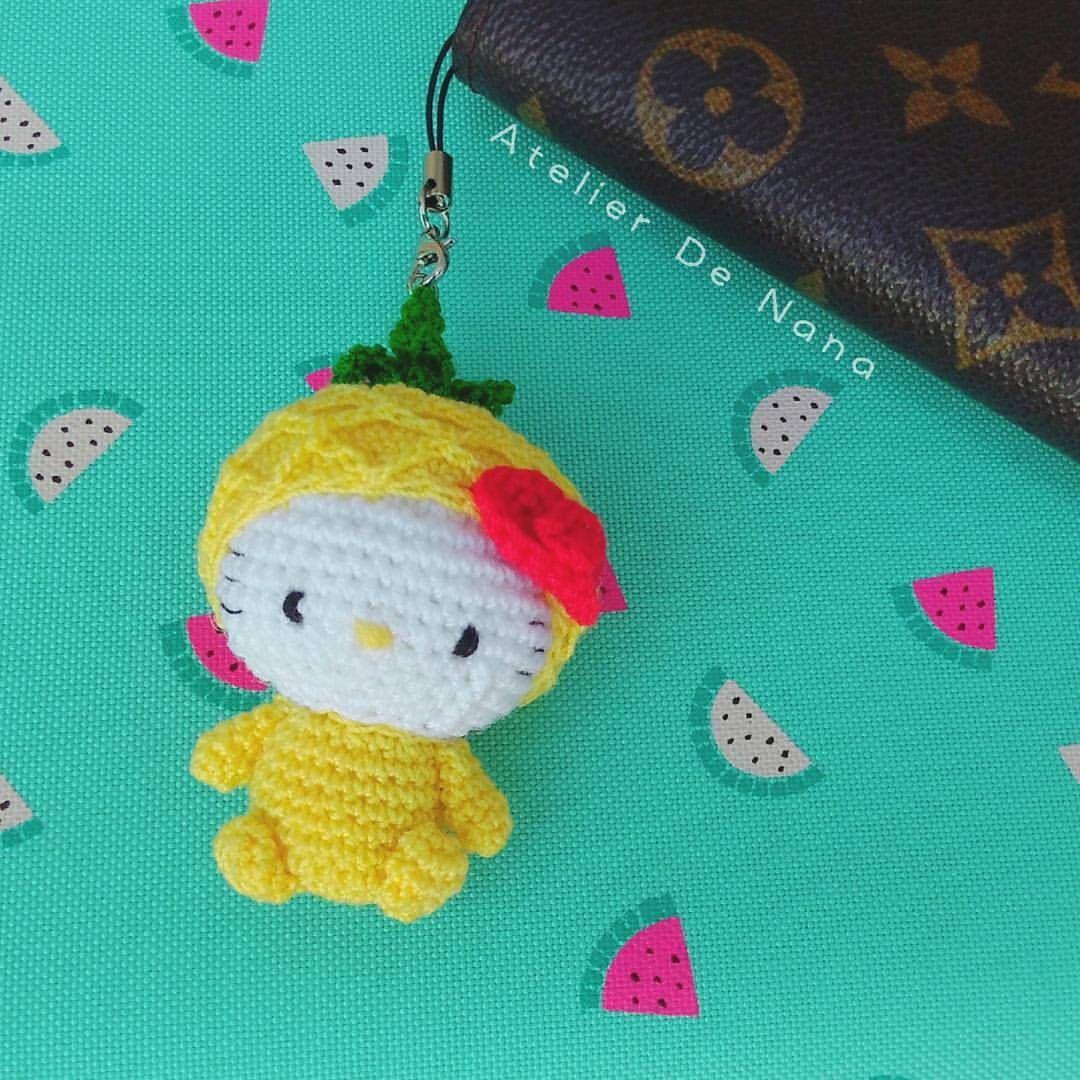 Amigurumi kitty pineapple charm. Handmade by me  Crochet for Your loved Bag, planner ☑ Etsy : Atelier de nana  FB , Line  : nuuna-chanita Worldwide Shipping #amigurumi #amigurumikitty #kitty #crochet #craft #kittycrochet #kittycharm #plannergoodies #plannercharm #plannercommunity #plannerlove #kittyplanner #kikkik #kikkikplanner #filofax #kikkiklove #etsy #etsycharms #atelierdenana