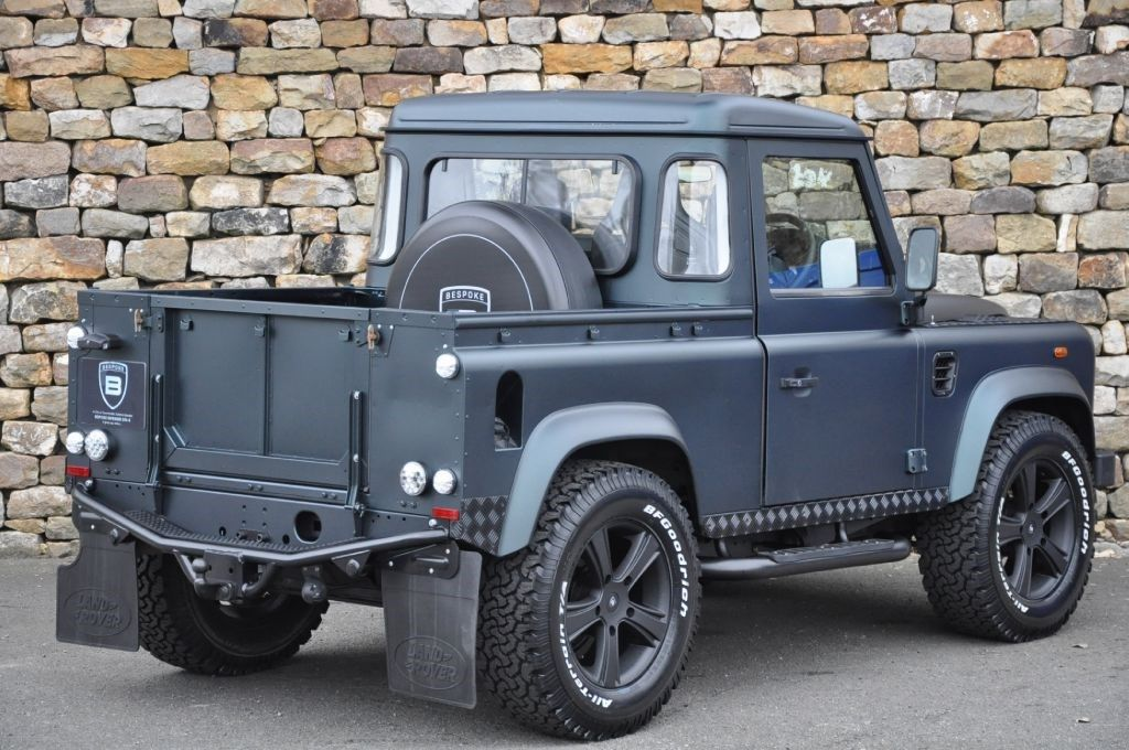 land rover pick up 105 defender autos pickups land. Black Bedroom Furniture Sets. Home Design Ideas