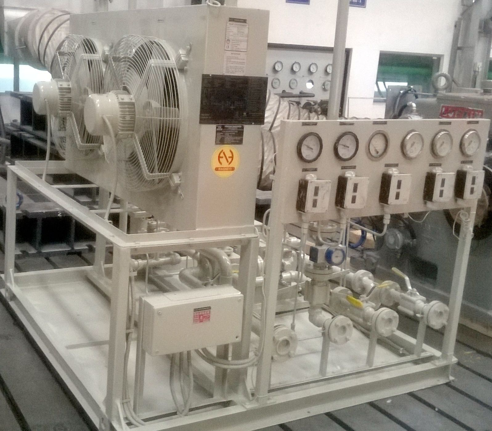 Gear Box Lubrication System with Air to Air Heat Exchanger