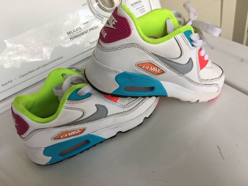 833377 102) PS GIRL'S NIKE AIR MAX 90 LTR WHITEWOLF GREY