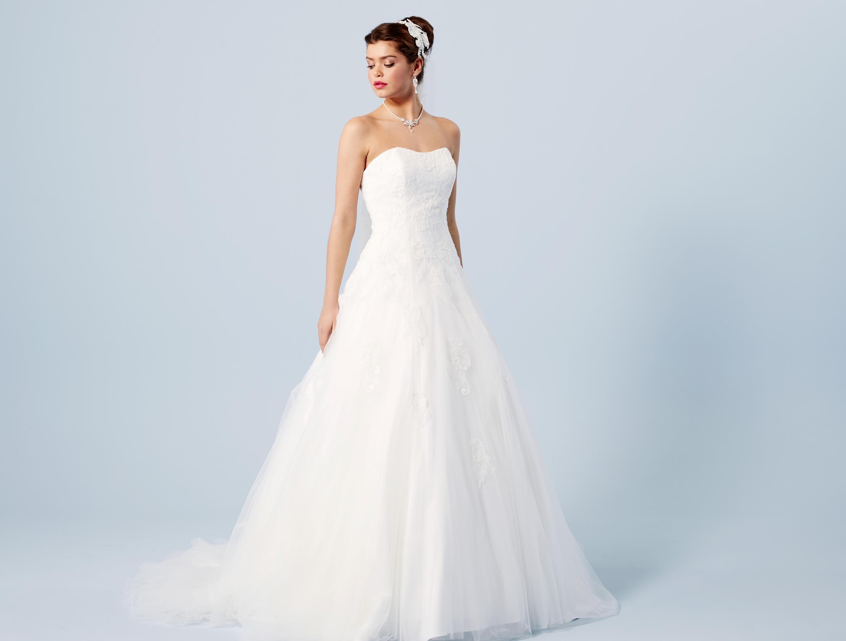 d013cec09291 Brudklänning | Wedding Dresses | Wedding dresses, Dresses och ...