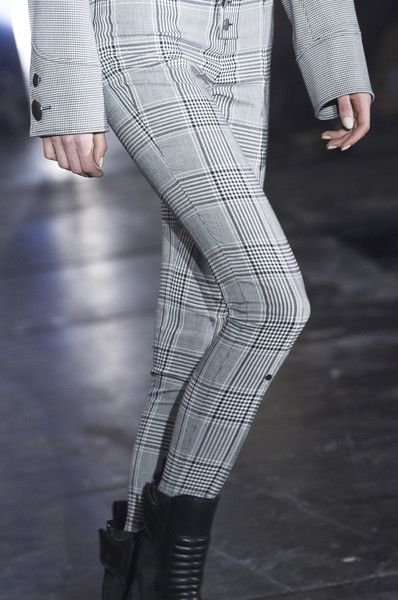 Alexander Wang Clp Bis at New York Fashion Week Fall 2017 - Details Runway Photos