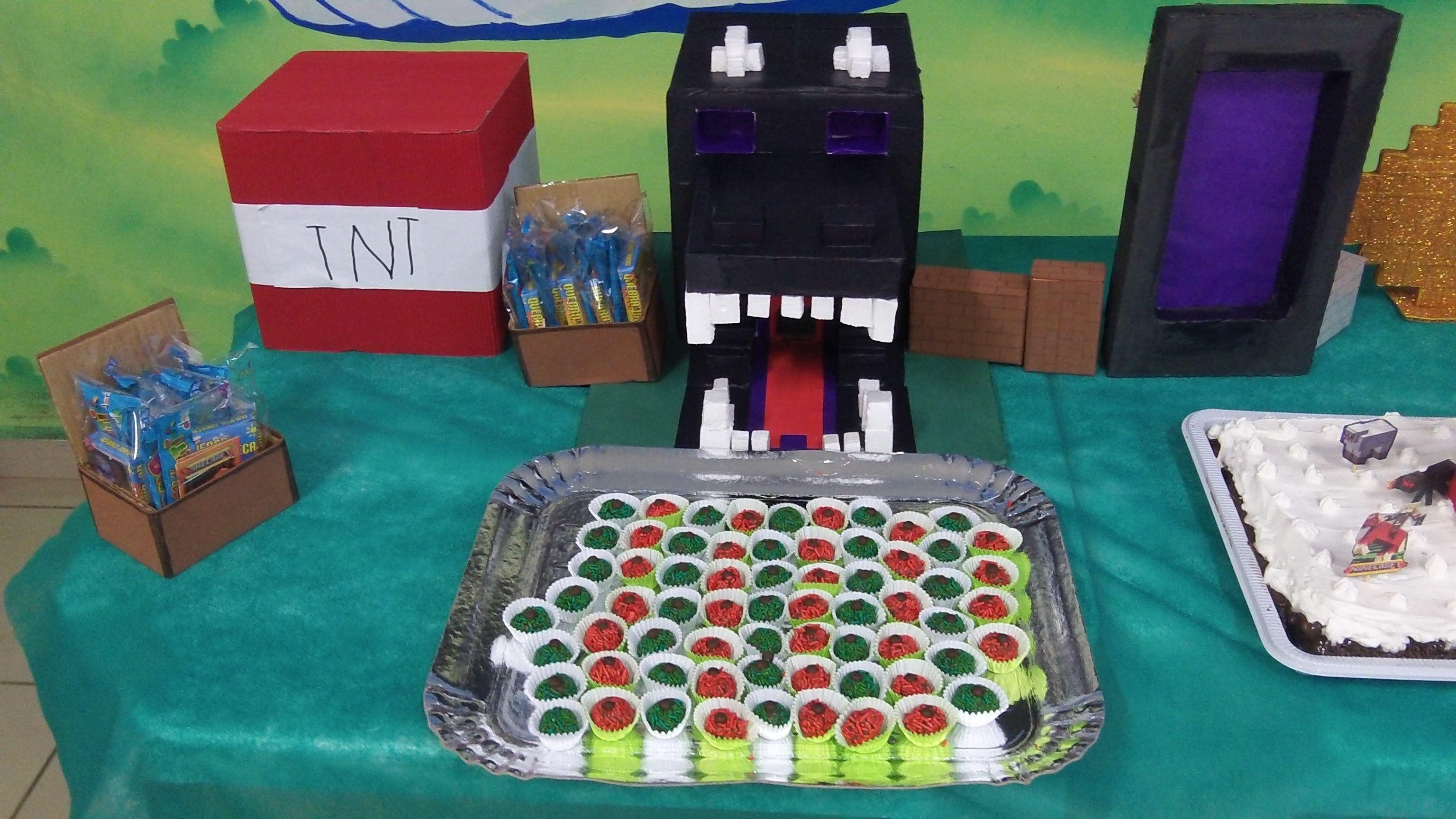 Decoração Minecraft. Feito com material reciclado.