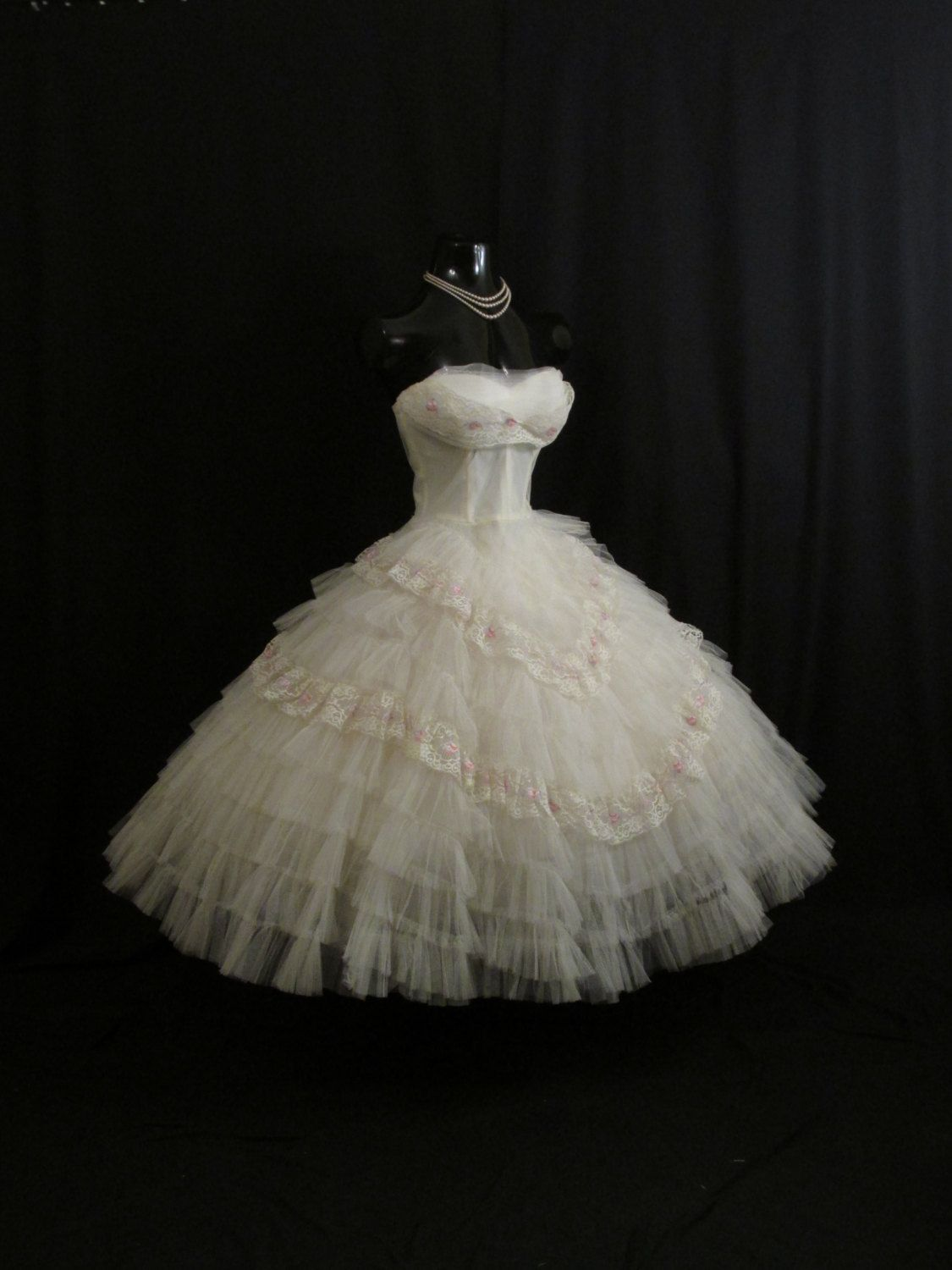 Vintage 1950's 50s STRAPLESS Bombshell White Embroidered Lace Tulle Circle Skirt Party Prom Wedding DRESS Gown by VintageVortex on Etsy https://www.etsy.com/listing/184025168/vintage-1950s-50s-strapless-bombshell