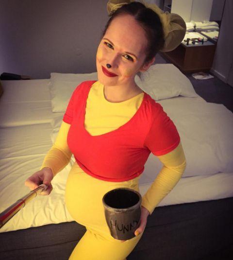 22 genius halloween costumes if youre pregnant - Maternity Halloween Costumes Pregnancy